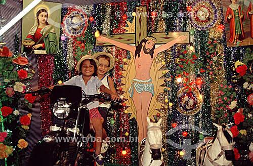 Cenário montado para tirar fotografias em festa religiosa -  Bom Jesus da Lapa - BA - Brasil  - Bom Jesus da Lapa - Bahia - Brasil