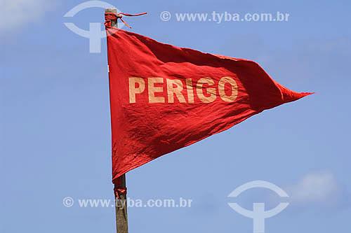 Bandeira indicando Perigo em Piatã - Salvador - BA - Brasil  - Salvador - Bahia - Brasil