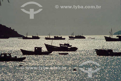 Silhuetas de barcos de pesca - Brasil