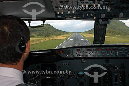 Cabine do avião - VARIG (linha Recife-Noronha) - piloto e co-piloto - Brasil  - Pernambuco - Brasil