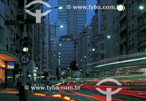 Assunto: Tráfego na avenida Nossa Senhora de CopacabanaLocal: Copacabana - Rio de Janeiro - RJPaís: BrasilData: 2009