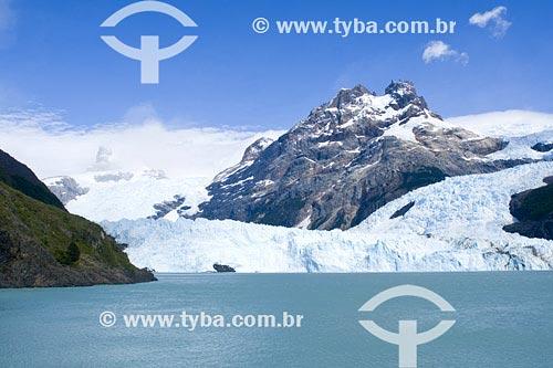 Assunto: Cerro Spegazzini e Glaciar SpegazziniLocal: Parque Nacional Los Glaciares, Santa Cruz, PatagôniaPaís: ArgentinaData: 17/01/2007