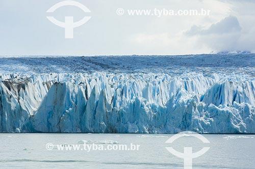Assunto: Glacier UpsalaLocal: Parque Nacional Los Glaciares, Santa Cruz, PatagôniaPaís: ArgentinaData: 17/01/2007