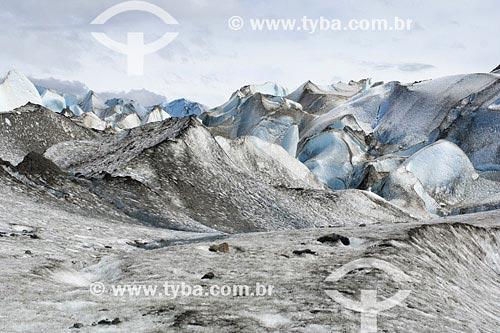 Assunto: Glaciar ViedmaLocal: Parque Nacional Los Glaciares, PatagôniaPaís: ArgentinaData: 22/01/2007