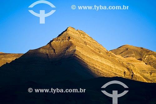 Assunto: Pico de montanhaLocal: PatagôniaPaís: ArgentinaData: 11/03/2007