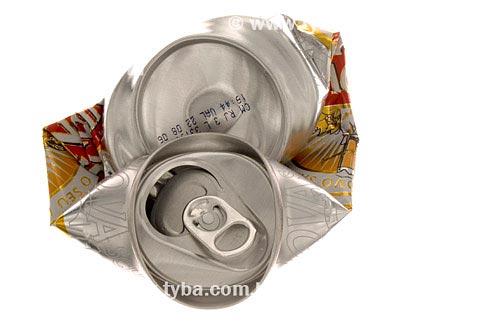 Assunto: Lata amassada, reciclagem de alumínio