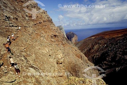 Assunto: Grupo de turistas fazendo trilhaLocal: Ilha de Trindade - ES