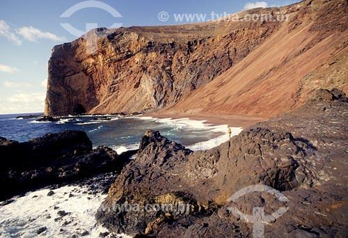Assunto: Praia do Túnel Local: Ilha de Trindade - ESData: