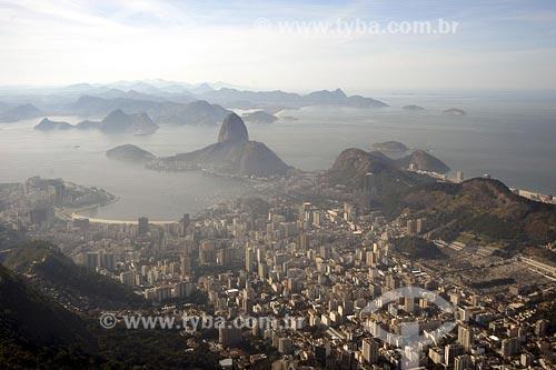 Assunto: Vista do bairro de Botafogo Pão de Açúcar ao fundoLocal: Rio de Janeiro - RJData: 26/06/2004