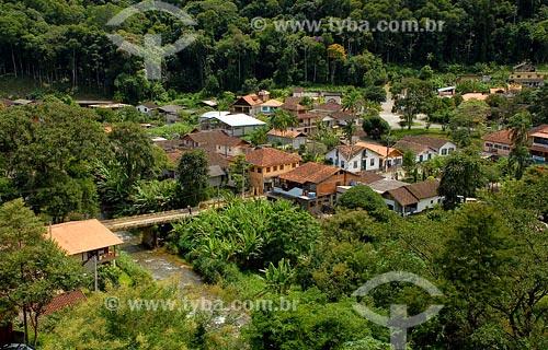 Assunto: Vista parcial de Lumiar - Casas e ponte sobre rioLocal: Lumiar - RJData: 2008