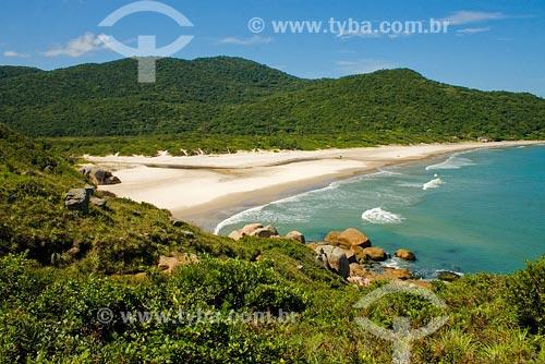 Assunto: Praia dos Naufragados, situada no extremo sul da Ilha de Florianópolis Local: Florianópolis - SC - BrasilData: Abril de 2008