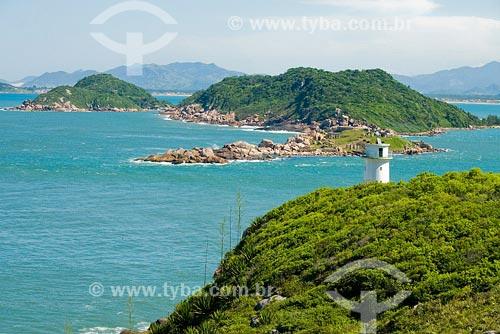 Assunto: Farol na Praia dos Naufragados, situada no extremo sul da Ilha de Florianópolis Local: Florianópolis - SC - BrasilData: Abril de 2008