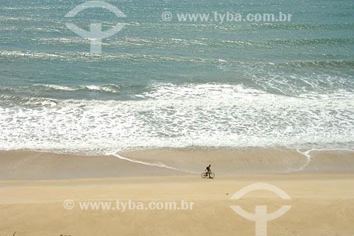 Assunto: Praia do MadeiroLocal: Tibau do Sul - RNData: 05/2006Autor: Delfim Martins