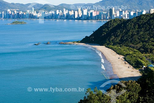 Assunto: Praia do Buraco vista do Morro do Careca / Local: Balneário Camboriú - SC - Brasil / Data: 10/06/2008