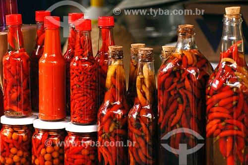 Assunto: Garrafas de pimenta - Mercadinho do Centro Histórico de São Luis / Local: São Luis - MA / Data: 08/2008