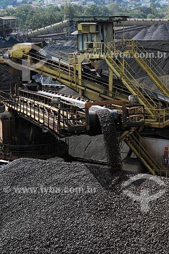 Assunto: Companhia Siderurgica Nacional (CSN) minério de ferro, pátio externo / Local: Volta Redonda - RJ / Data: julho 2008
