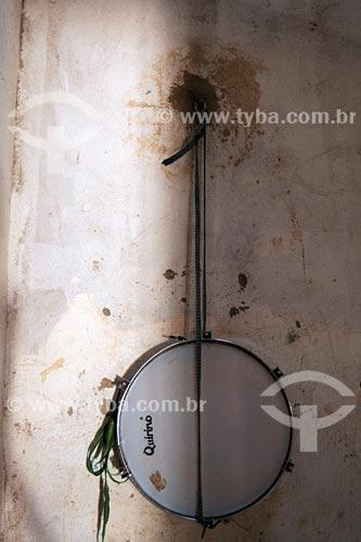 Assunto: Pandeirão pendurado em parede / Local: Bairro das Laranjeiras - Açailandia - MA / Data: 08/2008