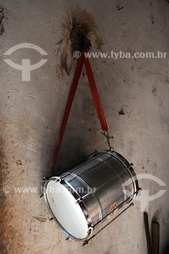 Assunto: Tambor pendurado em parede / Local: Bairro das Laranjeiras - Açailândia - MA / Data: 08/2008