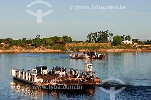 Assunto: Porto da Balsa, travessia entre Imperatriz no Maranhão e o povoado Bela Vista no Tocantins / Local: Imperatriz - MA / Data: 08/2008