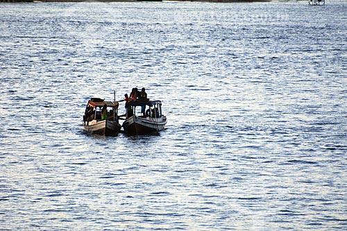 Assunto: Embarcações na confluência dos rios Tocantins e Araguaia -  Vista do Bairro Santa Rosa / Local: Marabá - PA / Data: 08/2008