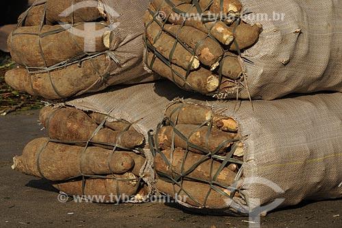 Assunto: Mandioca (Aipim / Macaxeira) - Mercado Ver-o-peso / Local: Belém (PA) / Data: 10 de Outubro de 2008