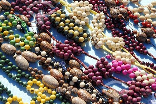 Assunto: Artesanato com sementes da Amazônia / Local: Vitória do Jari (AP) / Data: 12 de Junho de 2006