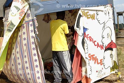 Assunto: Barbeiro em Jozini / Local: Jozini - Umkhanyakude - Kwazulu Natal - África do Sul / Data: 13 de Março de 2007