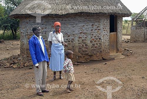 Assunto: Família africana da tribo Zulú / Local: Jozini - Umkhanyakude - Kwazulu Natal - África do Sul / Data: 13 de Março de 2007