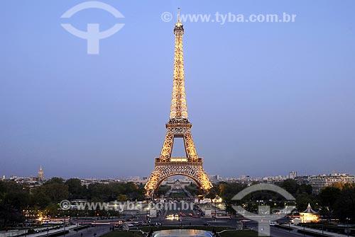 Assunto: Vista Noturna da Torre Eiffel (Tour Eiffel), vista do Trocadéro (Trocadeiro) / Local: Paris - França / Data: 20 de Abril de 2007