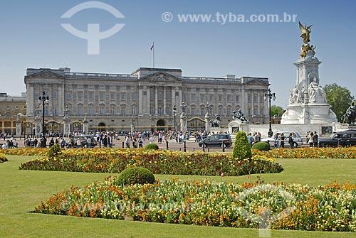 Assunto: Palácio Buckingham e Monumento Victoria / Local: Londres - Inglaterra / Data: 27 de Abril de 2007