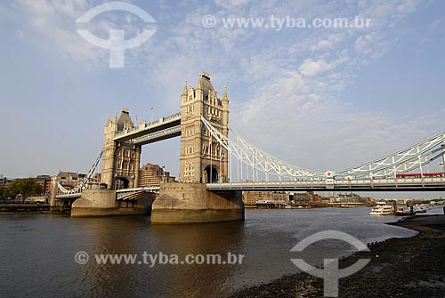 Assunto: Ponte da Torre (Tower Bridge) / Local: Londres - Inglaterra / Data: 28 de Abril de 2007