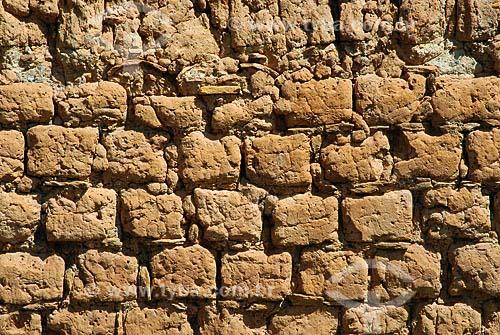 Assunto: Construção com tijolo de adobe em  Pirenópolis / Local: Pirenópolis (GO) / Data: 28 de Maio de 2007