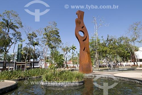 Assunto: Escultura do paisagista Haruyoshi Ono / Local: Praça da Revolução - Rio Branco (AC) / Data: 16 de Julho de 2008