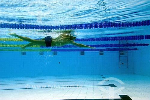 Assunto: Nadador na piscina  / Local:  / Data: 31 de Maio de 2007
