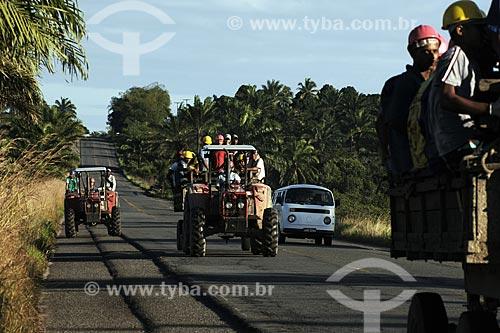 Assunto: Transporte de operários agrícolas perto de Nazaré das Farinhas / Local: Nazaré das Farinhas (BA) / Data: 18 de Julho de 2008