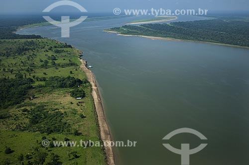 Assunto: Rio Madeira, com suas águas verdes por eutrofização, junto a boca com o rio Amazonas, entre Manaus e Itacoatiara / Local: Amazonas (AM) / Data: 29 de Outubro de 2007