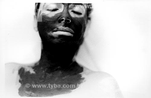 Assunto: Estética facial - Banho de Lama - Beleza feminina / Local: Itália / Data: 1999