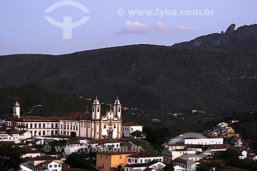 Museu da Incofidência à esquerda e Igreja de Nossa Senhora do Carmo à direita  - Ouro Preto - Minas Gerais - Brasil