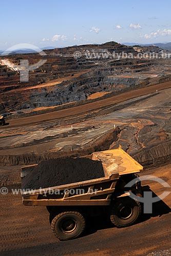 Assunto:  Caminhão transportando minério de ferro  - Mina de Alegria - Complexo de Mariana / Local: Minas Gerais (MG) - Brasil / Data: 20/04/2009