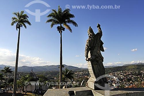Santuário de Bom Jesus de Matosinhos  com as esculturas dos doze profetas em pedra-sabão de Aleijadinho (Antônio Francisco Lisboa)  - Congonhas - Minas Gerais - Brasil