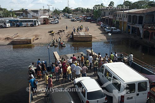 Assunto: Balsa de carros em Cacau Pirêra, em frente á Manaus / Local: Município de Manacapuru - Amazonas (AM) - Brasil / Data: Julho 2007