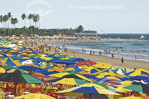 Assunto: Praia de Piatã e Farol de Itapuã ao fundo / Local: Salvador - Bahia (BA) - Brasil / Data: Fevereiro de 2006