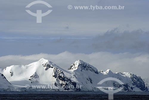 Assunto: Vista da Ilha Livingston, segunda maior das Ilhas Shetland do Sul / Local: Península Antártica / Data: 11 / 2008