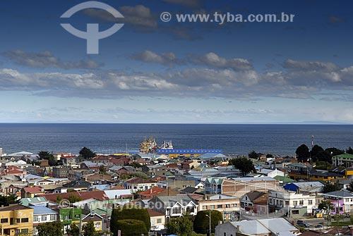 Assunto: Vista panorâmica da cidade de Punta Arenas na patagônia Chilena. Estreito de Magalhães ao fundo / Local: Punta Arenas - Chile / Data: 11/2008