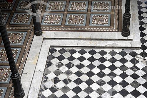 Assunto: Detalhe de arquitetura portenha - Piso / Local: Buenos Aires - Argentina / Data: Fevereiro de 2008