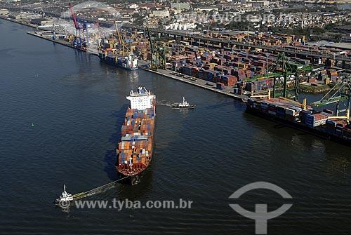 Assunto: Vista aérea do Porto do Rio de Janeiro com navio cargueiro manobrando / Local: Rio de Janeiro - RJ - Brasil / Data: 06/2008