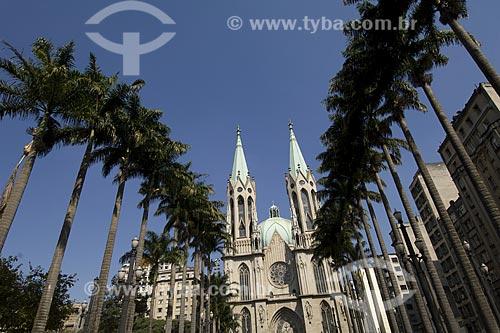 Catedral Metropolitana de São Paulo ou Catedral da Sé, localiza-se na Praça da Sé, no centro da cidade de São Paulo. É um dos cinco maiores templos góticos do mundo  - São Paulo - São Paulo - Brasil