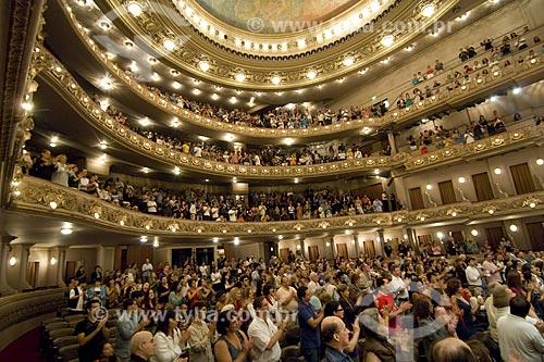 Assunto: Público aplaudindo um concerto de música clássica no Teatro Municipal do Rio de Janeiro / Local: Rio de Janeiro - Rio de Janeiro (SP) - Brasil / Data: 2008