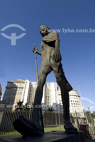 Assunto: Estátua na Praça Mahatma Ghandi. A imagem em bronze de Mahatma Ghandi foi doada pelo governo da Índia ao Brasil em 1964 / Local: Praça Mahatma Ghandi - Rio de Janeiro - Rio de Janeiro (RJ) - Brasil / Data: 2008