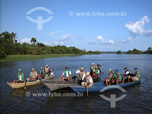 Assunto: Agentes ambientais voluntários em trabalho de fiscalização - Várzea do Rio Amazonas / Local: Perto de Parintins - Amazonas - Brasil / Data: Agosto de 2003